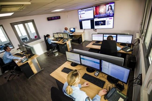 Des gendarmes vont répondre aux internautes sur Facebook