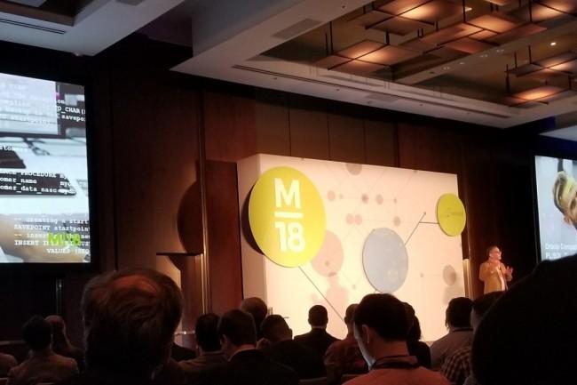 Sur la conférence M18 à New York les 26 et 27 février, le CEO de MariaDB Michael Howard a tenu un discours particulièrement conquérant face à son concurrent Oracle. (crédit photo : MariaDB)