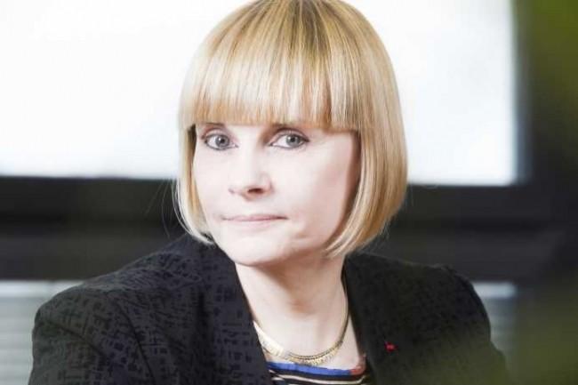 Régine Diyani, Directrice de l'AIFE, est de ce fait responsable du programme Chorus.