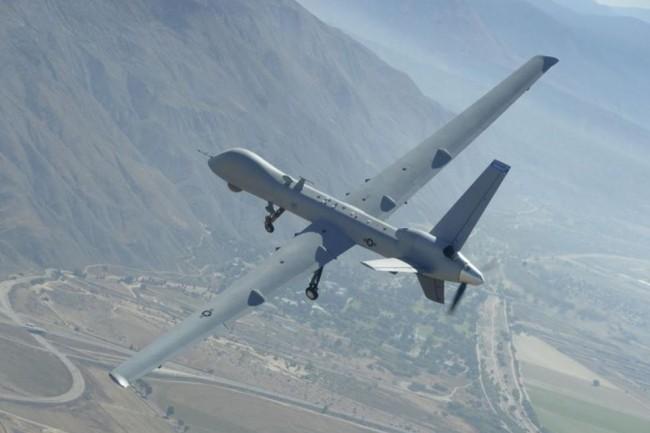 Le MQ-9, drone militaire utilisé pour de la surveillance mais également du combat, est aussi mobilisé pour du support à des opérations civiles. (crédit : Sergent Neil Ballecer / California Air National Guard)