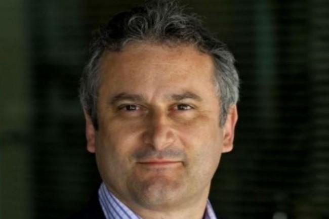 Eric Javellaud spécialiste de la production, patron de la supply chain, va également prendre en main la DSI groupe d'Essilor. (crédit : D.R.).