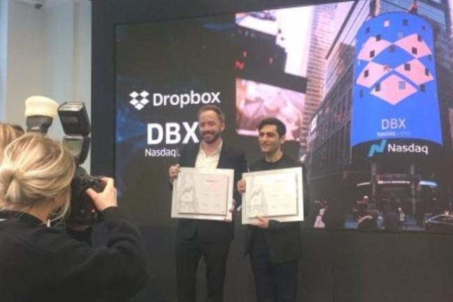 Drew Houston et Arash Ferdowsi, les co-fondateurs de Dropbox , le jour de l'introduction en Bourse de l'entreprise, vendredi 23 mars, à New York. (Crédit. Dropbox)