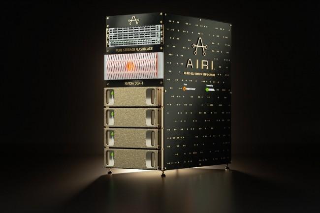 Avec ses 32 cartes GPU V100, une baie AIRI dispose de 163 840 noyaux CUDA et 20 480 noyaux Tensor à sa disposition.