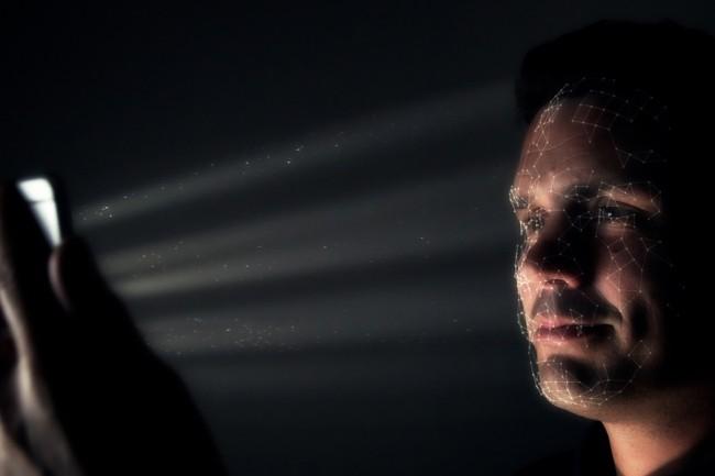 Inauguré avec avec l'iPhone X, le système de biométrie Face ID est particulièrement rapide et efficace. (Crédit : Apple)