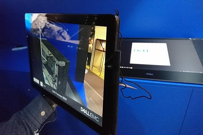 Des entreprises développent des solutions permettant de miniaturiser le hardware utilisé pour la VR et l'AR et de le rendre transportable et simple d'installation. Ici, Dell EMC s'est associé à VR Solutions pour développer un logiciel d'AR pour ses commerciaux. (Crédit : Nicolas Certes)