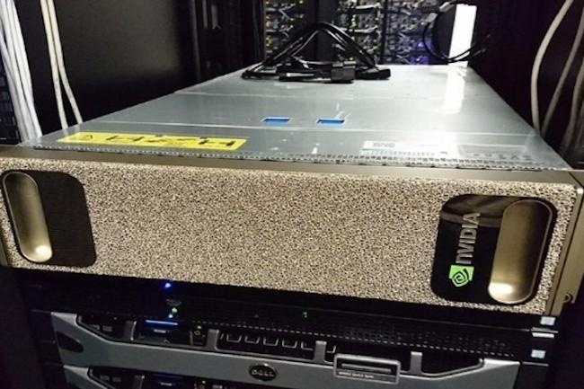 L'Université de Sheffield utilise un système DGX-1 avec deux processeurs Intel Xeon E5-2698 v4 à 2,2 GHz accélérés par 8 cartes GPU Tesla V100. (Crédit D.R.)