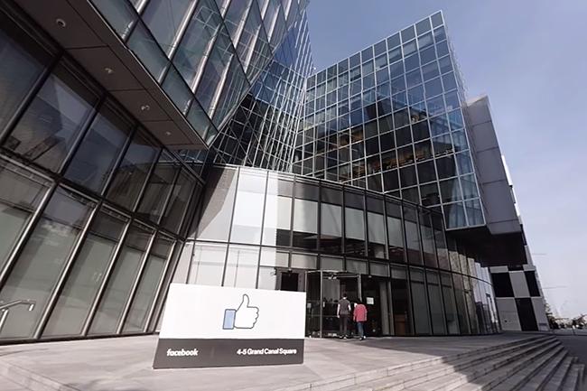 Jusqu'ici, toutes les personnes ayant un compte Facebook - en dehors de celles résidant aux Etat-Unis ou au Canada - signaient des conditions d'utilisations avec Facebook Irlande, dont le siège est à Dublin, qui dépend du droit européen. (Crédit : Facebook)