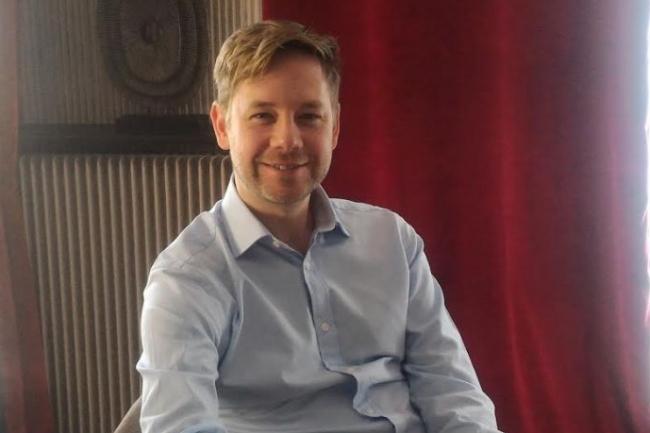Léon Ward, vice-président produits de ThreatQuotient était de passage à Paris le 29 mars pour évoquer notamment la sortie de ThreatQ Investigations. (crédit : D.F.)