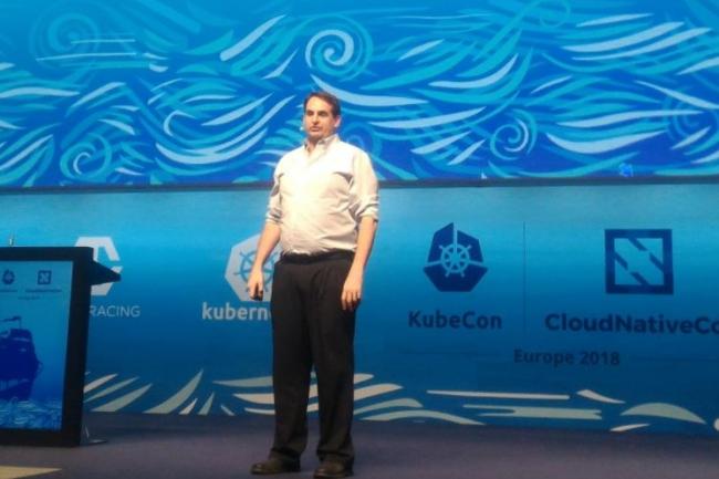 Dan Kohn, directeur exécutif de la CNCF, a enjoint la communauté de développeurs et de partenaires à redoubler d'efforts pour pousser l'intégration continue de Kubernetes dans les entreprises. (crédit : D.F.)