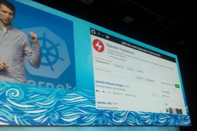 Brandon Philips, CTO de CoreOS, a annoncé la mise en open source du SDK du framework Operator. (crédit : D.F.)