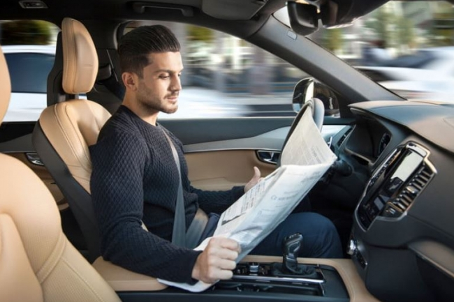 La conduite autonome n'est pas qu'une affaire de technologie mais aussi d'adaptation de cadre législatif et de la détermination des responsabilités pénales en cas d'accident impliquant un véhicule autonome. (crédit : D.R.)