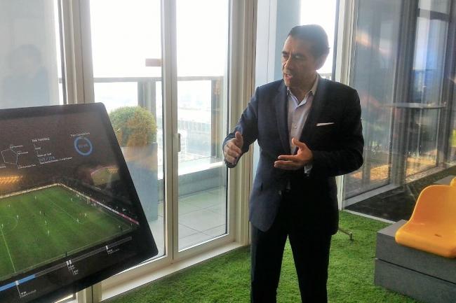 SAP France a organisé son siège social de Levallois (92) autour de différentes « project roooms », comme celle consacrée au sport présentée par Gérald Karsenti son nouveau directeur général depuis début avril 2018. (crédit : LMI)