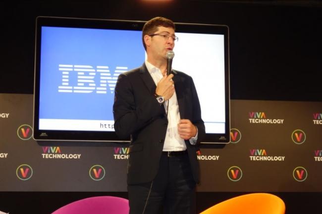 Lors d'un point presse IBM sur Viva Technology 2018, Nicolas Théry, président du Groupe Crédit Mutuel CM11, a indiqué que le groupe mutualiste avait créé une Cognitive Factory réunissant des spécialistes de l'IA et des experts de la banque/assurance. (Crédit : LMI/MG)