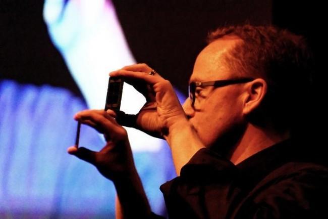 Pour devancer Intel, AMD annonce une puce Theadripper (deux puces en une en fait) dotée de 32 coeurs et 64 threads. (Crédit IDG NS)