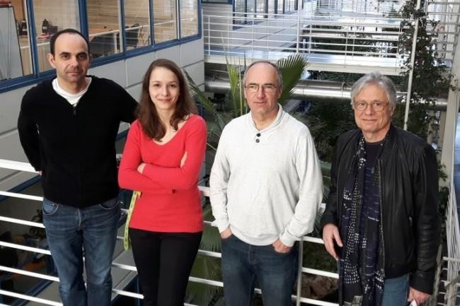 Basée à Lyon, la biotech Enyo Pharma a été créée par 6 fondateurs dont l'équipe scientifique réunissant (en partant de la gauche) Benoît de Chassey, Laurène Meyniel, Vincent Lotteau et Patrice André. (Crédit : Ciri Inserm)