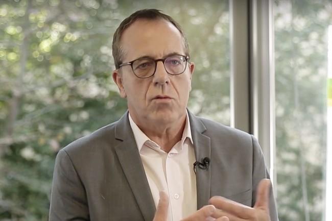Gérard Guinamand travaille dans l'IT au sein du groupe Engie depuis dix ans. (Crédit Youtube)