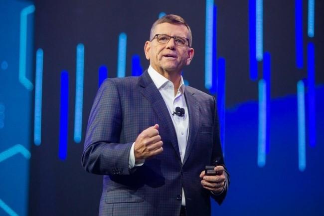 David Goeckeler, vice-président exécutif et directeur général Networking & Security de Cisco, lors de son intervention sur Cisco Live 2018. (Crédit : Cisco)