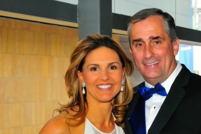 Brian Krzanich, ici au côté de sa femme Brandee, a été obligé de quitter son poste de CEO d'Intel suite à la divulgation d'une liaison passée avec une employée de la société. (Crédit : Youtube)