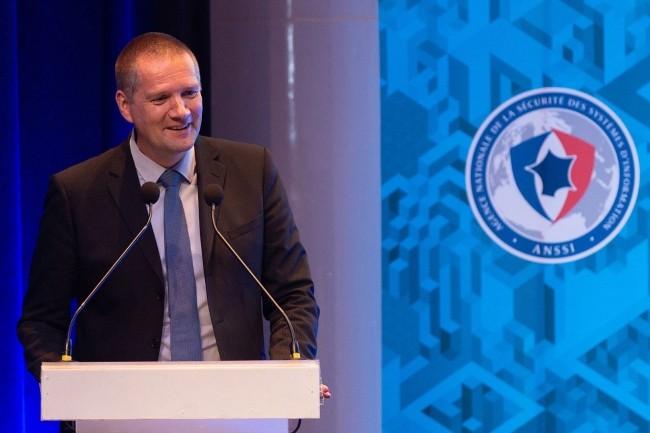 Guillaume Poupard, directeur général de l'ANSSI, veut faciliter l'identification des solutions de cybersécurité de confiance avec les visas sécurité. (crédit : ANSSI)