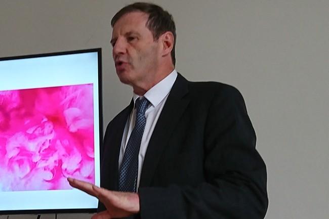 Jean-Paul Alibert, PDG de la filiale française de T-Systems « n'anticipe pas de plan social » en France suite à l'annonce du groupe de supprimer 6 000 postes dans le monde. (Crédit : Nicolas Certes)