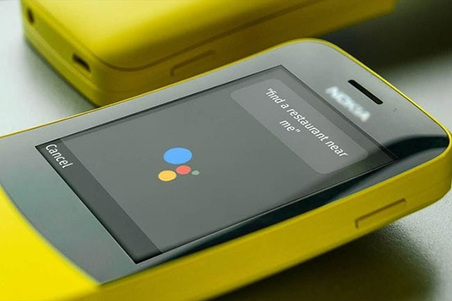 Nokia a présenté au CES 2018 son modèle 8110, sous Smart Feature OS, une variante du système KaiOS développé par Kai Technologies. (Crédit : Kai Technologies)
