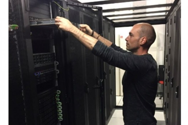 Dans son data center optimisé pour les logiciels de gestion, Burst se dit capable de restaurer une base SQL de 6,8 Go en 37 secondes. Crédit photo : C.R.