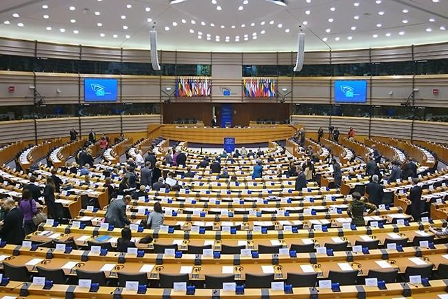 La commission des libertés civiles a appelé la Commission européenne à suspendre le Privacy Shield si les Etats-Unis ne respectent pas totalement les conditions de l'accord d'ici le 1er septembre. (Crédit : Wikipedia)