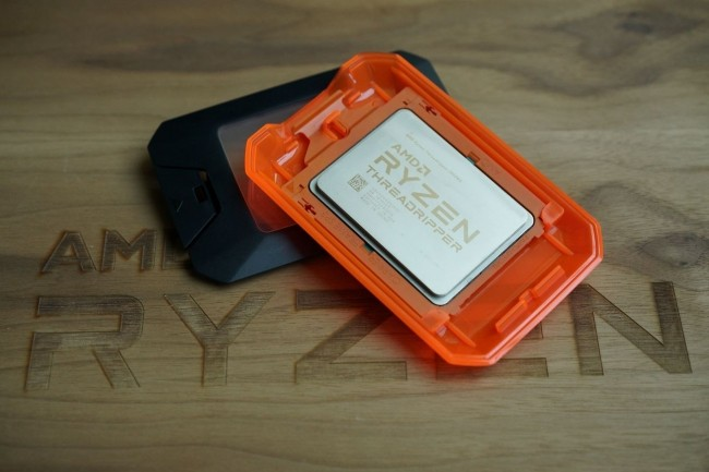 Cadencée de base à 3 GHz, la puce 32 coeurs Ryzen Threadripper d'AMD doit être commercialisée le 13 août. (Crédit : IDG/Gordon Mah Ung)