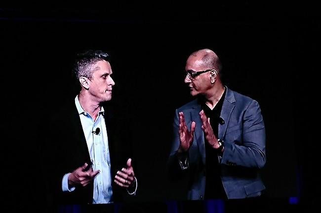 Se passant le relais pendant près de deux heures et demie, Aaron Levie, CEO de Box (à droite) et son responsable produit et de la stratégie de la société, Jeetu Patel, ont dévoilé une pléthore de nouveautés à venir sur leur plateforme de gestion cloud. (Crédit : Nicolas Certes)