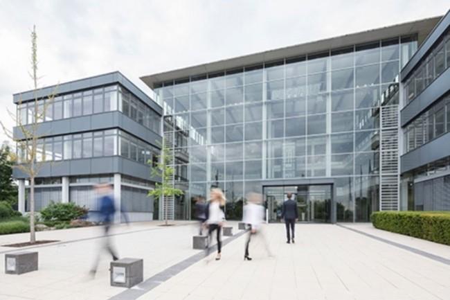 Après avoir progressé de 19% au premier trimestre 2018, le chiffre d'affaires de Bechtle s'est encore apprécié de 17,4% lors des trois mois suivants. (Ci-dessus son siège de Neckarlsum/Crédit : Betchle)