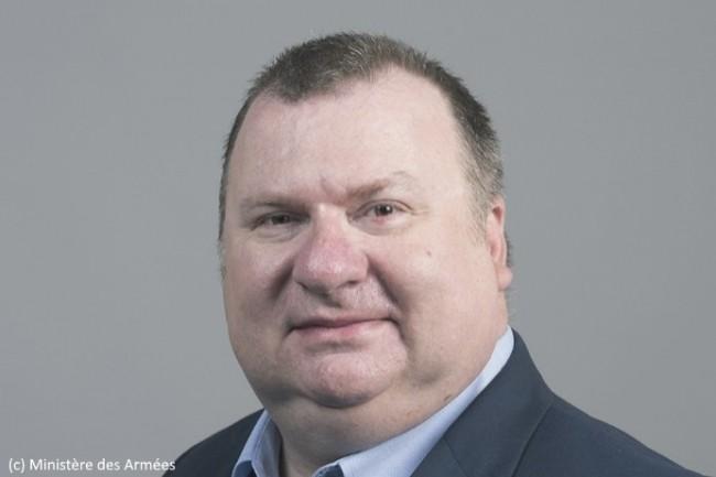 Emmanuel Chiva est le premier Directeur de l'Agence de l'Innovation de Défense créée au sein du Ministère des Armées.