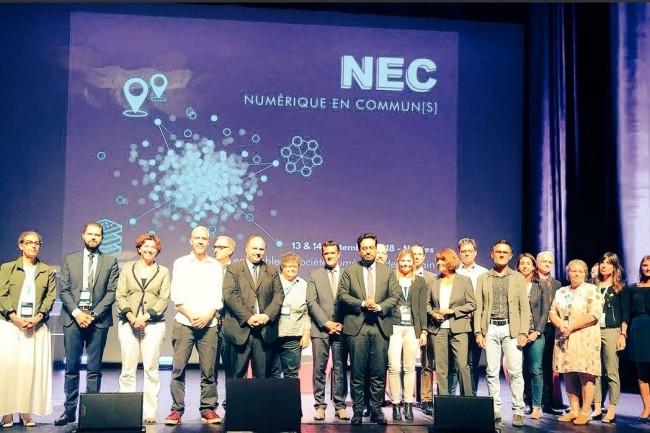 Lors d'un déplacement à Nantes, Mounir Mahjoubi, secrétaire d'État chargé du numérique a annoncé un plan d'investissement de 75 à 100 M€ pour former les  exclus du numérique avec la mobilisation de toutes les collectivités, et d'opérateurs publics et privés. (crédit : numérique.gouv)