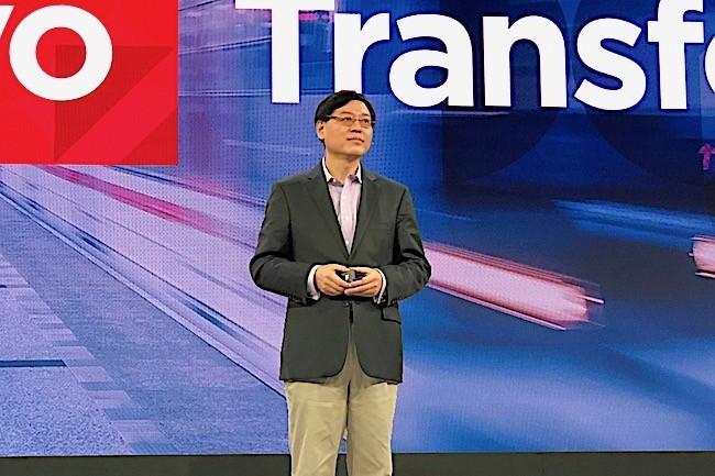 « Nous sommes une compagnie globale avec des capacités de fabrication en Chine, au Brésil et au Mexique, c'est pourquoi Lenovo est différent des autres fournisseurs chinois », a assuré YangYuanquingleCEOdu fournisseur chinois. (Crédit S.L.)
