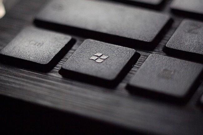 Après Dell, HP, Lenovo, Avanade/Accenture ou Computacenter, C'est à Microsoft de proposer sa solution de PC/desktop as a service. (Crédit : Tadas Sar)