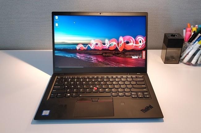 Du fait des différentes options disponibles, l'acheteur d'un ThinkPad Carbon X1 pourra facilement configurer un ultrabook puissant et léger avec une bonne autonomie.
