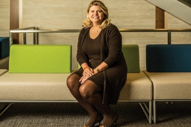 Elizabeth Hackenson, DSI de Schneider Electric veut former ses collaborateurs pour devenir des experts du numérique. (Crédit Photo : IDG NS)