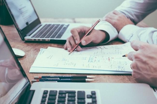 Les départements marketing souffrent de ne pas disposer des bons outils pour collaborer. (Crédit Photo : Free-Photos/Pixabay)