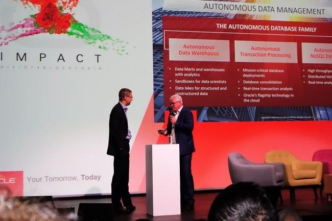 Hier à Paris, Stéphane Roman (à gauche), directeur du Cloud chez Oracle France, et Alain Scazzola, responsable du business development d'Oracle Cloud, détaillent les capacités d'automatisation de la base de données maison dans le cloud. (Crédit : LMI/MG)