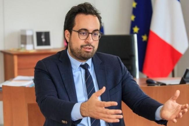 Jusque-là secrétaire d'Etat au Numérique auprès du premier ministre, Mounir Mahjoubi a été nommé secrétaire d'Etat auprès du ministre de l'Economie et des Finances Bruno Le maire et du ministre de l'Action et des Comptes publics Gérald Darmanin. (crédit : Alexia Perchant)