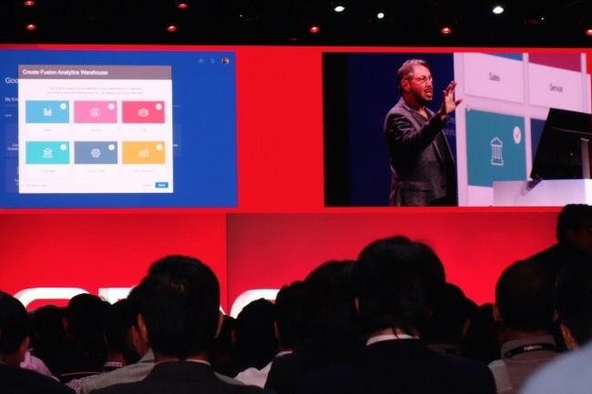 Sur OpenWorld 2018, Larry Ellison présente la mise en place rapide de Fusion Analytics Data Warehouse, installé au-dessus d'applications Fusion dans le cloud. (Crédit : LMI/MG)