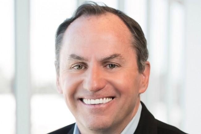Ancien directeur financier d'Intel, Bob Swan est aujourd'hui le CEO par intérim du fondeur qui chervhe toujours son prochain patron. (Crédit : Intel)