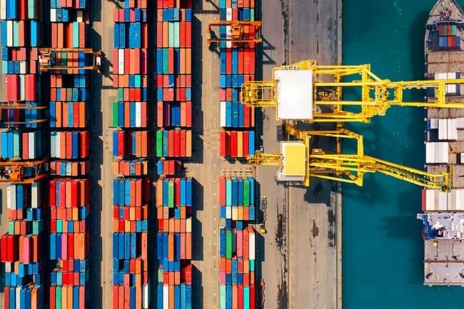 À l'instar des transactions financières transfrontalières, la chaîne d'approvisionnement est un secteur où la technologie blockchain peut jouer un rôle essentiel. (crédit : IBM, Maersk)