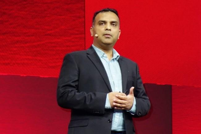 Rahul Patil, vice-président du développement logiciel au sein d'Oracle Infrastructure Cloud, a annoncé une dizaine de services cloud qui sortiront entre novembre et début 2019. (Crédit : LMI/MG)
