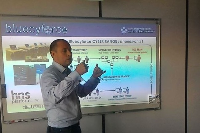 L'IT Tour Nantes 2018 à la CCI inclut un slot d'une simulation de cyberattaque animé par Vincent Riou, CEO de l'organisme de formation bluecyforce. (crédit : LMI)