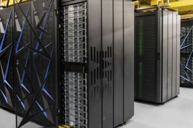 Le supercalculateur Summit construit par IBM pour l'Oak Ridge National Laboratory du département américain de l'énergie affiche une puissance de 143,5 pétaflops. (crédit : Oak Ridge National Laboratory)
