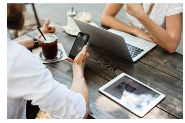 Jalis propose à des personnes en reconversion une formation au métier de consultant numérique, suivie d'une prise de poste. Crédit. D.R.