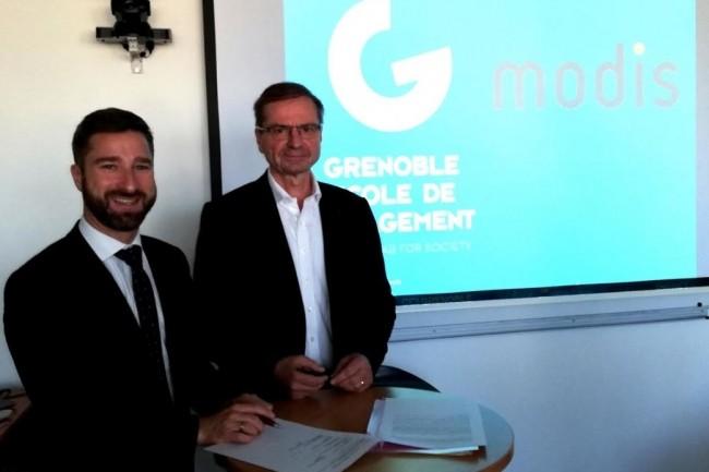 Le 28 novembre une convention de mécénat  a été signée par Laurent Graciani, directeur général des marques spécialisées chez Adecco Group et Loïck Roche, directeur général de Grenoble école de management pour favoriser l'intégration d'autistes Asperger. Crédit. D.R.
