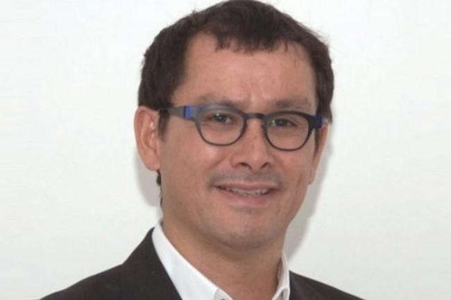 Docteur en informatique, Vincent Cadoret a une longue expérience technique.
