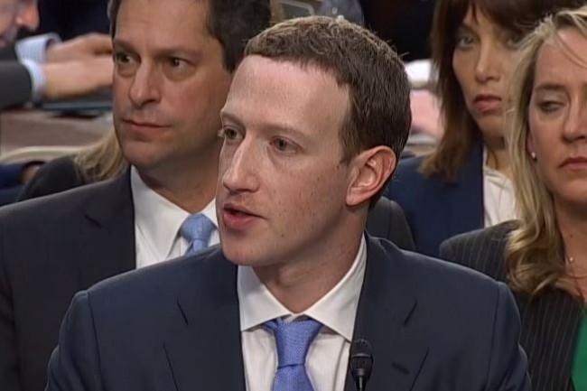 Déjà sur le grill du Sénat américain en avril dernier, Marc Zuckerberg, CEO de Facebook, doit maintenant affronter les accusations du procureur général de Washington, Karl Racine. (crédit : D.R.)