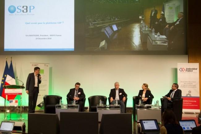 Sur les 11e Assises de l'embarqué, le 19 décembre à Bercy, Eric Bantegnie, président d'Ansys France, présente la plateforme S3P pour la création de services et produits IoT. (Crédit : Embedded France)